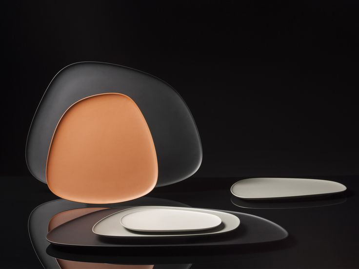 Namaste table collection by Jean-Marie Massaud | Like natural stones