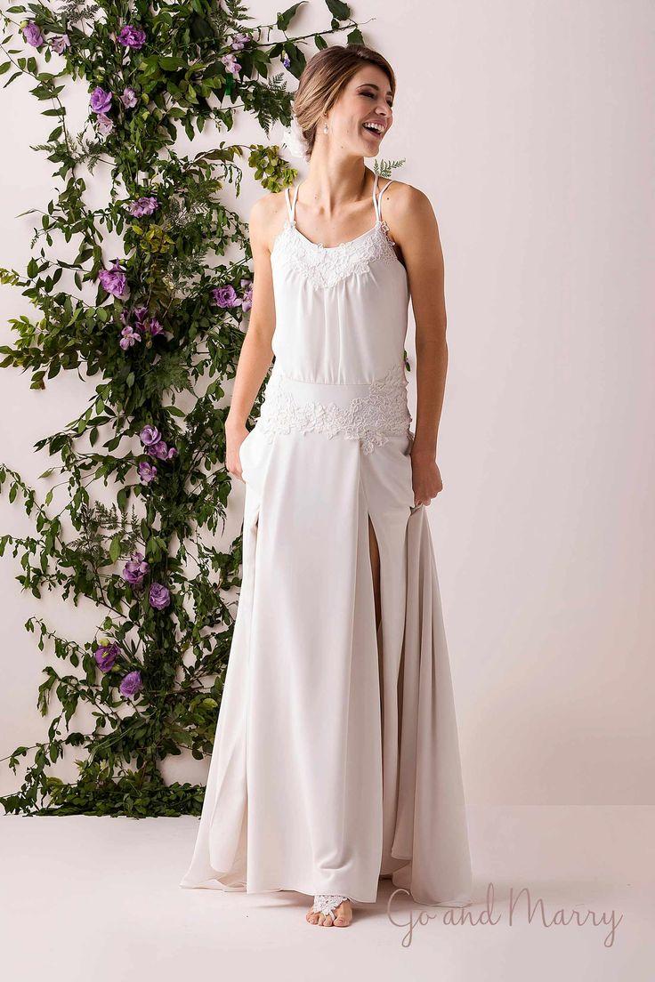 Vestido Chloé com Alças Duplas Cruzadas sem Bordado