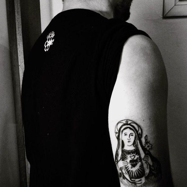 #mariatattoo #maria #religioustattoo #catholicart #tattoo #ink #drawing #faithtattoo