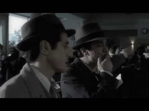La Señal -Es el año 1952 y, mientras Eva Perón agoniza, Corvalán, un mediocre detective privado, se ve envuelto en una historia de traición y ambiciones. Contratado po...