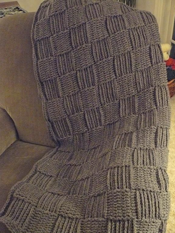 Basketweave Crocheted Throw - free pattern to go with pillows! ;-)
