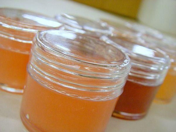 http://www.maquillageyeuxverts.com/levre-bricolage-brillant-recette/