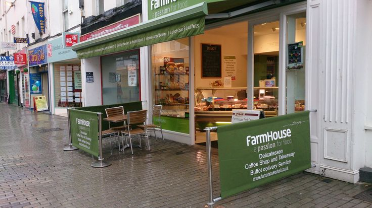 Farmhouse Deli, Cheltenham, have had some new screens printed to ensure their customers (& passers by) know exactly what services they offer!  This is a great way to advertise your business & make sure that you stand out from the surrounding establishments.  For more information, visit www.shadesofcomfort.co.uk or call Charlie on 01452 751970