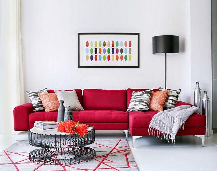 Decoración salon sillon rojo http://www.arquitexs.com/2015/04/renovacion-y-decoracion-de-una-casa-de-familia.html