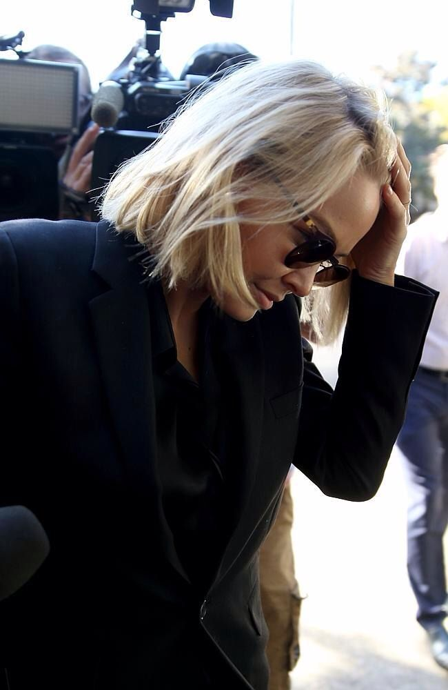 Super-short and straight hair Lara Bingle