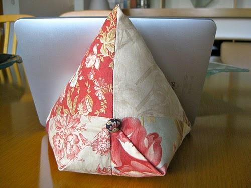 iPad / e-book reader beanbag using charm squares