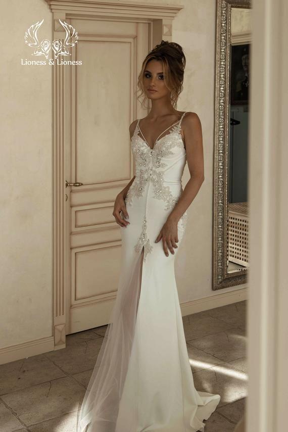 Bohemian Wedding Dress Off White Slinky Dress Mermaid Ivory Etsy Skinny Wedding Dress Wedding Dresses Bohemian Wedding Dress