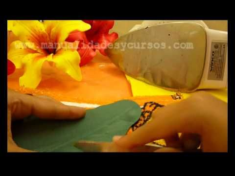 Como hacer una hoja de gerbera en goma eva- how to make eva foam leaves