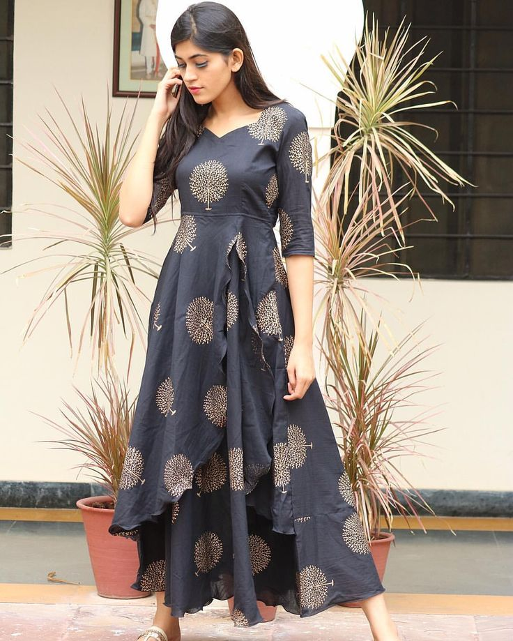 Show your love for Black this year and slay in Bunaai on new year's Eve, book your orders now  // Hurry •• Shop this : [Size : XS, S, M, L , XL, XXL, XXXL]  YOU CAN ORDER IT FROM WWW.BUNAAI.COM OR MESSAGE US FOR DIRECT LINK OF THE PRODUCT! #traditional #onlineshop #indowestern #bunaai #diwali #festiveseason #jaipur #handmade #jaipurshopping#occasionwear #handcrafted #instagood #potd #COD #fusion