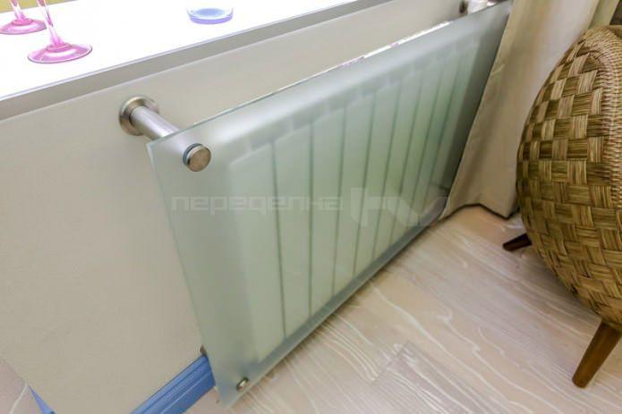 экран для батареи отопления в интерьере гостиной