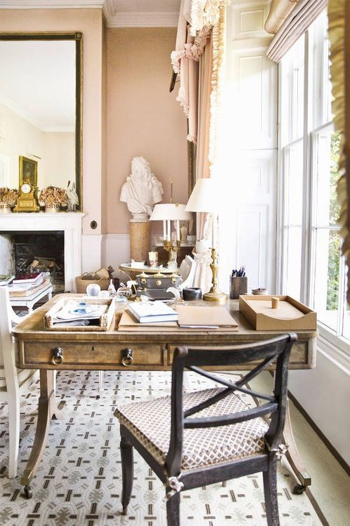 thefoodogatemyhomework:  india Hicks' desk in the pale pink living room of her family's historic Oxfordshire estate, originally decorated by her father, the late, great David Hicks.