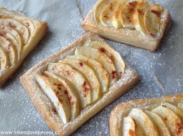 VÍKENDOVÉ PEČENÍ: Jablečné taštičky z listového těsta