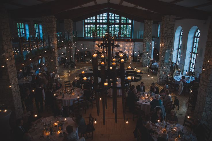 Pięknie oświetlona Oranżeria w Dworze w Tomaszowicach #wesele #DworTomaszowice #wedding #weddingideas #decoration #light #lightdecor  www.dwor.pl