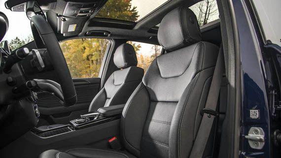 Салон внедорожника Мерседес-AMG GLE43 2017 / Mercedes-AMG GLE43 2017