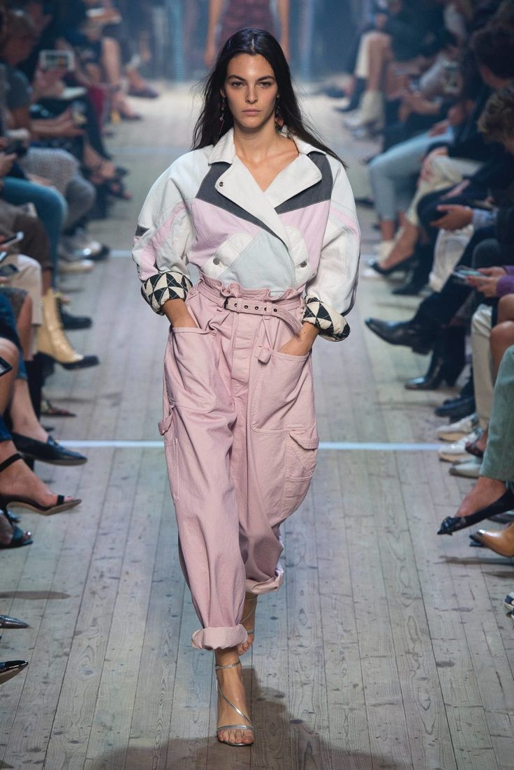 #PFW Spring 2019: Die Highlights der Paris Fashion Week mit Isabel Marant, Loewe, Valentino & Givenchy
