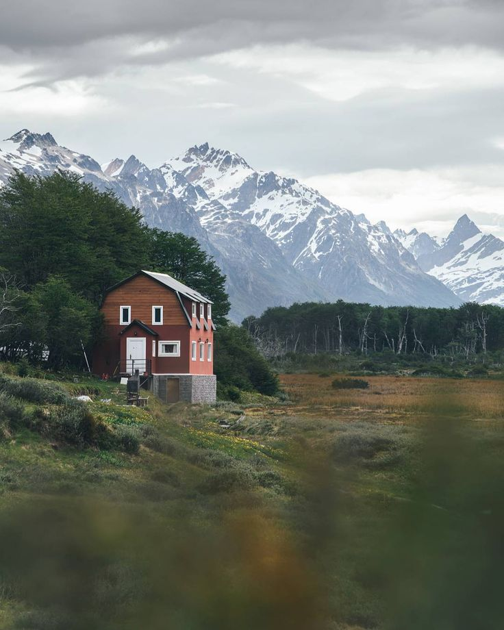 """Gefällt 5,538 Mal, 245 Kommentare - André Alexander (@formgestalter) auf Instagram: """"Living at the end of the world could look like this 🏡 who wants to live here? #visitargentina…"""""""