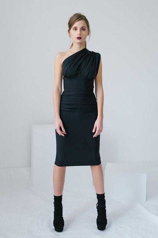 sukienki-Asymetryczna sukienka