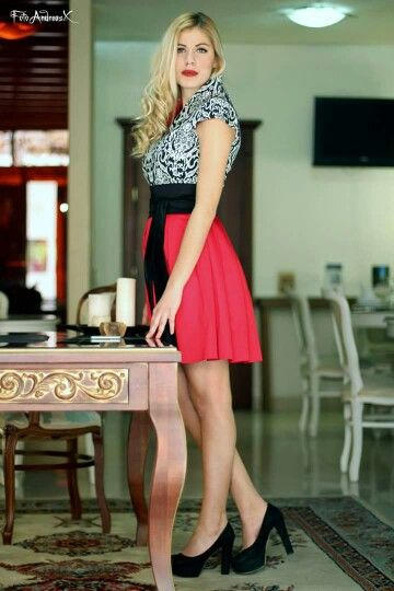 We love short dresses! !