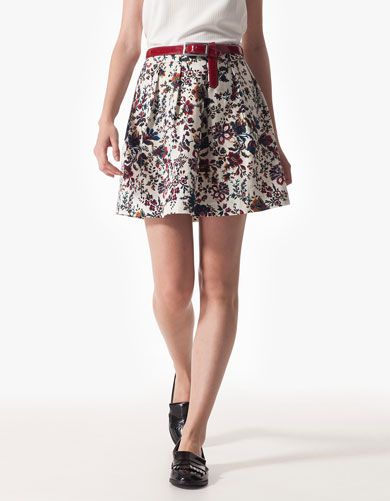 Stradivarius Floral print A-line skirt 19.95€