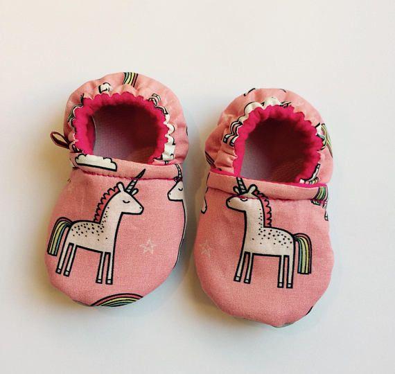 Licornes // Pantoufles bébé // unicorn // baby softies