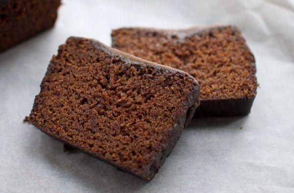 Herfstig, kruidig en ontzettend lekker. Deze pompoencake met karamel heeft het allemaal. Extra lekker als het buiten stormt en jij zit lekker binnen.