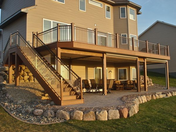 Nice and simple deck design w screens for the home for 2nd floor deck ideas