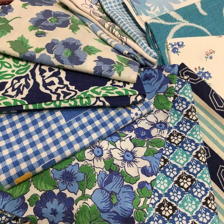 Shades of Blue day 2 Sydney Craft & Quilt show booth H02 #luccellomelbourne #sydneycraftandquiltshow2017 #vintagefabric #quilting #ontheroad