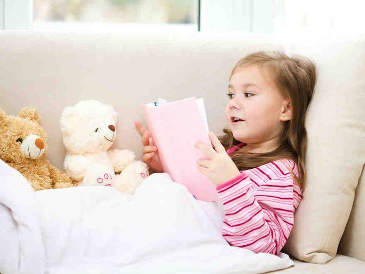 """Päivi Tonteri: """"Lastenkirjat - ostajan opas."""" Miksi ja mitä lukea lapselle? Lukeminen ruokkii mielikuvitusta, laajentaa sanavarastoa ja tarjoaa tilaisuuden köllötellä vierekkäin."""