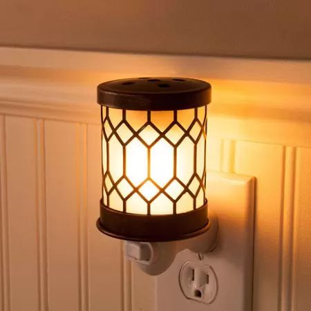 ScentSationals Accent Wax Warmer, Bronze Lantern (This is in my kitchen - no joke.  I originally wanted it in the bathroom but the outlets in there are odd as I live in a rental.  :/ I may pick up a few more for future use.)