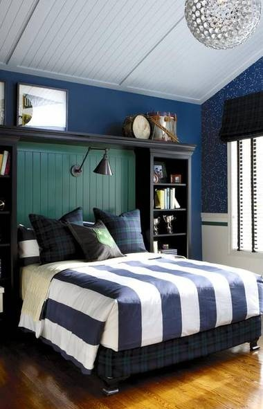 Your son's room will make the grade with varsity-inspired decor