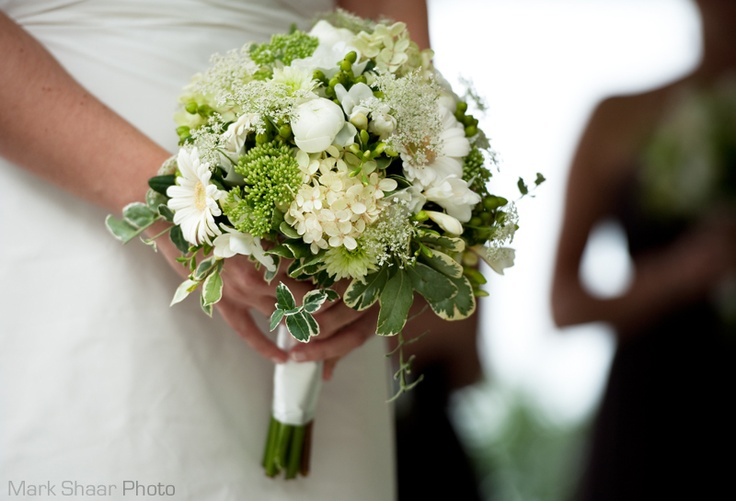 Wedding photography by Mark Shaar Photo, Montreal, Quebec. #ceremony #bouquet
