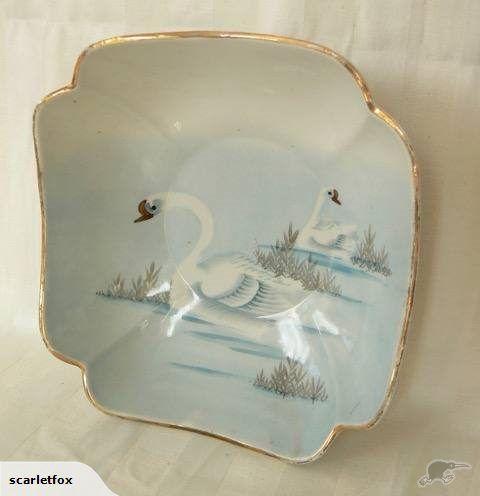 <+> pretty vintage CERAMIC BOWL handpainted swans   Trade Me