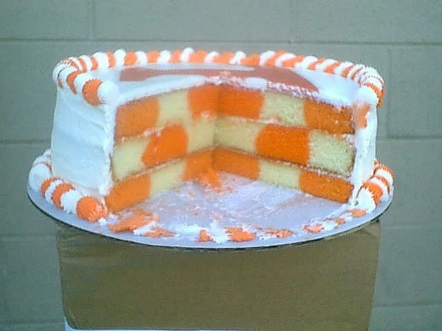 I used to have the kit to make this type of cake...may have to repurchase...what could be better than a cake that is a replica of Tennessee's endzone!!!  GO VOLS!!!!