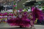 Desfile del carnaval más famoso de Brasil en Río de Janeiro. Visite nuestra página y sea parte de nuestra conversación: http://www.namnewsnetwork.org/v3/spanish/index.php  #brasil #carnaval #nnn #malaysia #bernama #malasia #carnival #rio #fiesta #party #noticias #entretenimiento #cultura #espectaculo #samba #brazil #mangueira
