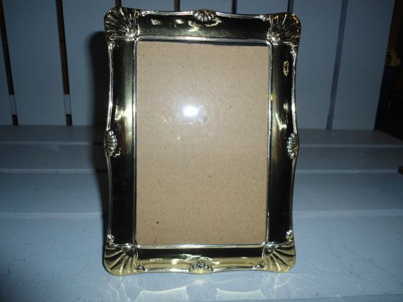 67.80 kr. Vintage Brass Photo Frame by ChangingTreasures on Etsy
