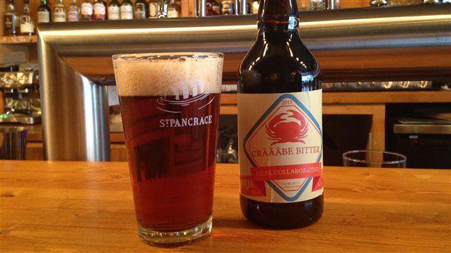 Une bière brassée avec du crabe apparaît désormais sur le menu de la microbrasserie St-Pancrace de Baie-Comeau. La Crâââbe Bitter est une bière d'inspiration anglaise à laquelle les brasseurs ont ajouté les crustacés au moment de l'ébullition.