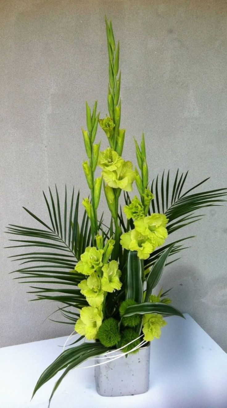 Beautiful Gladiolus Flower Arrangements For Home Decorations 39