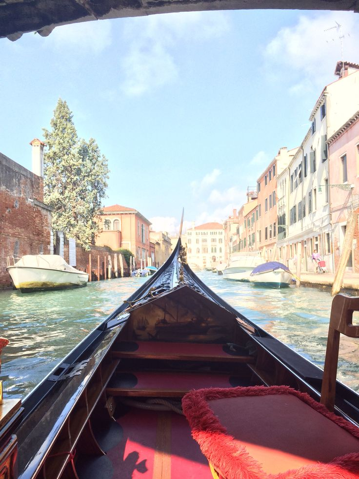 Venezia was so romantic, especially travelling around the canals on a Gondola
