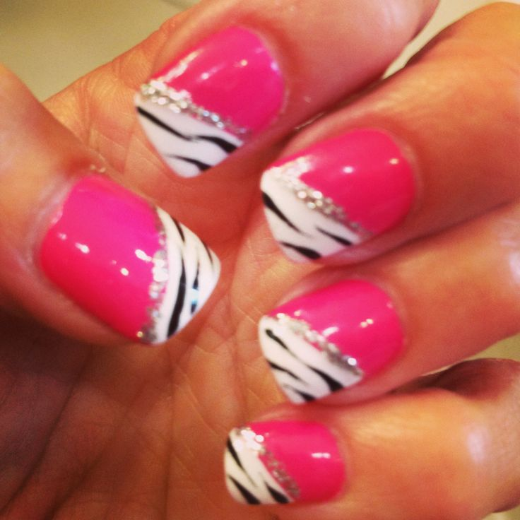 Pink & zebra nails... This would be so cute when I do my pink zebra parties