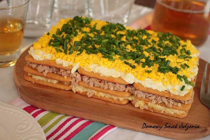sałatka z tuńczykiem i z krakersami | Domowy Smak Jedzenia