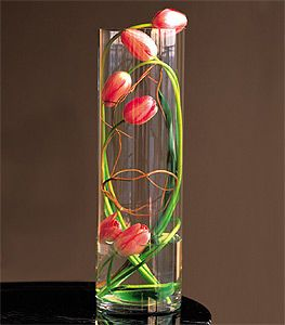 tulipWedding Decorations | Another presentation using red tulips, in this case, place them on top ...