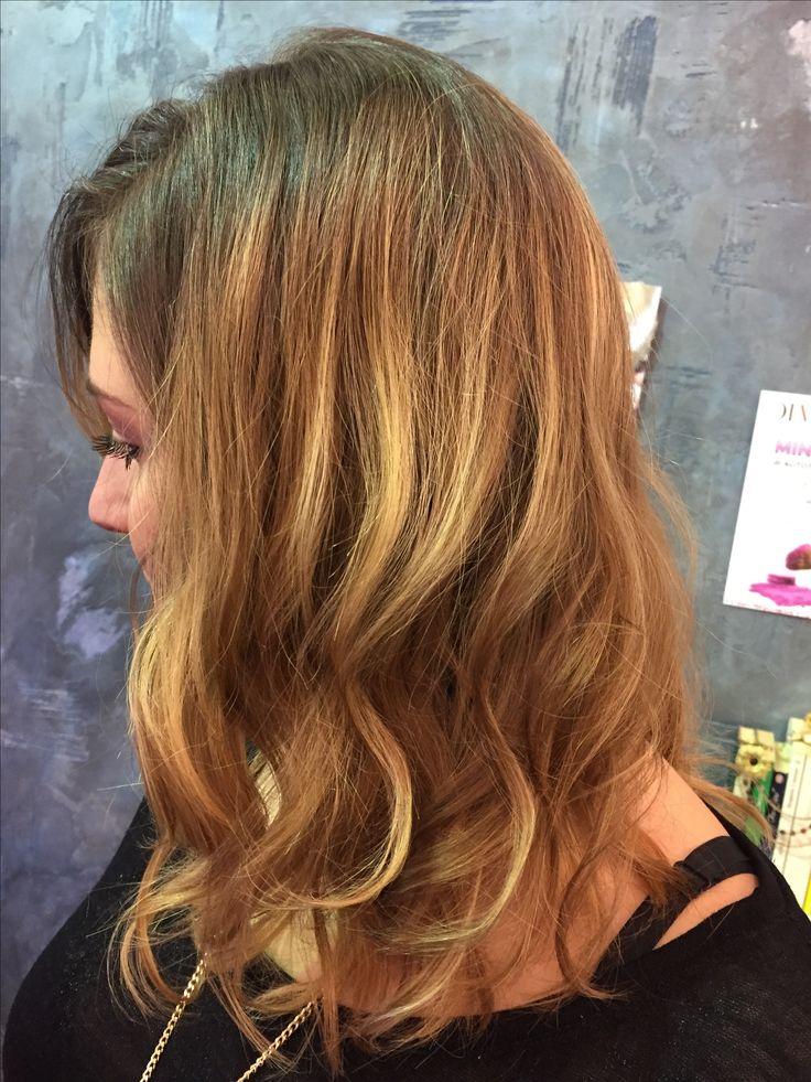 Non servono filtri, ma solo il degrade abbinato ad un taglio punte aria per aver un look sempre al top per la nostra Clarissa! #tagliopuntearia #centrodegradejoelle #davines #haircolor #hairstyle #hairlong #fashion #wella #lookliveparrucchierafranca #viadeimirti29 #Ragusa