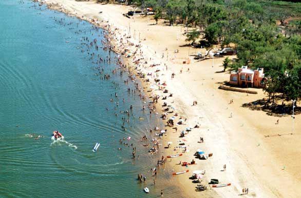 Concepción del Uruguay: playa sobre el rio Uruguay - Entre Rios