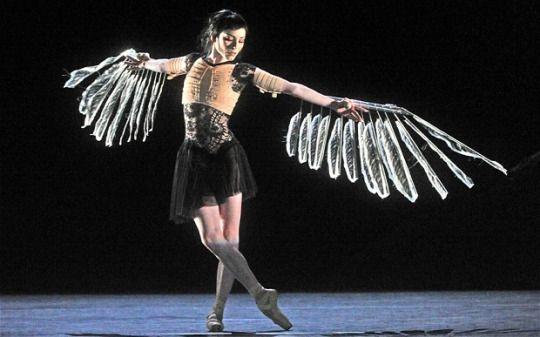 Royal Ballet, Coregrapher: Wayne McGregor, Designer: Vicki Mortimer