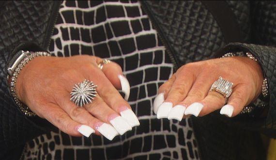 Long Island Medium Fake Nails