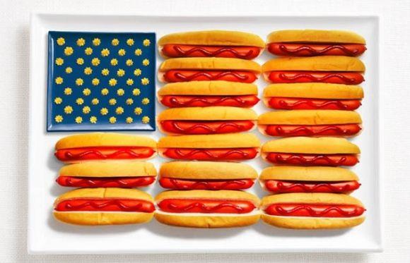 """Quoi de mieux que le food art pour faire la promotion d'unévénementgastronomique ? Garry Horner a doncmis en """"food"""" et surtout en couleurs les drapeaux de pays en utilisant des aliments nationau…"""