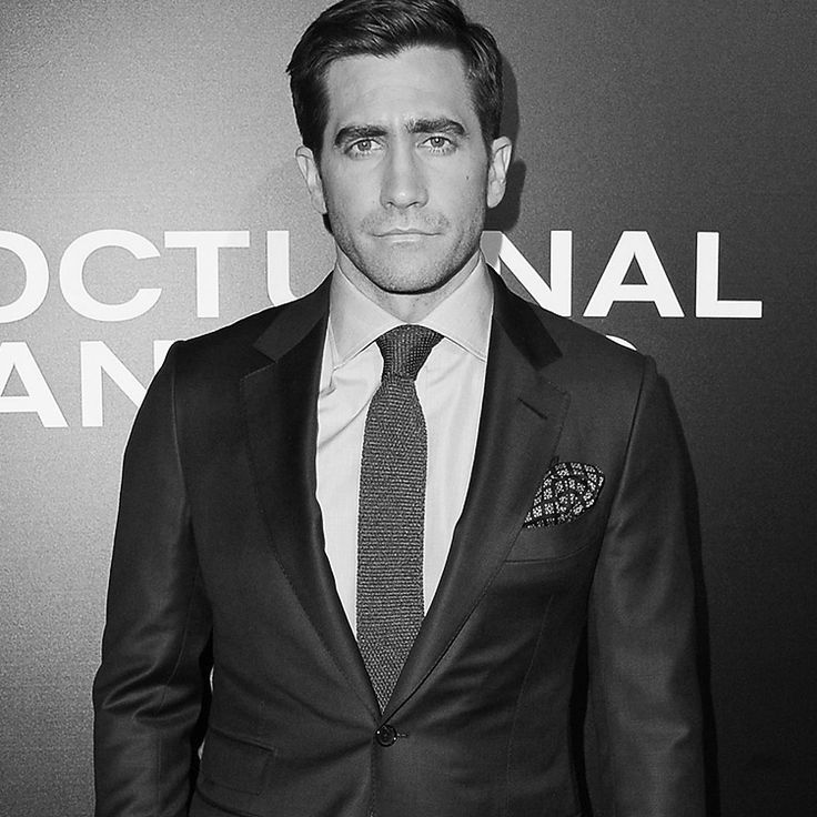 tomford:    Jake Gyllenhaal wore a TOM FORD suit to the Los Angeles premiere of Nocturnal Animals.