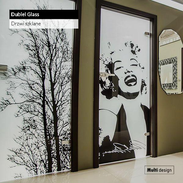 Szklane skrzydła drzwiowe Dubiel Glass to świetny przykład tego, że drzwi mogą stać się najważniejszym obiektem dekoracyjnym we wnętrzu.
