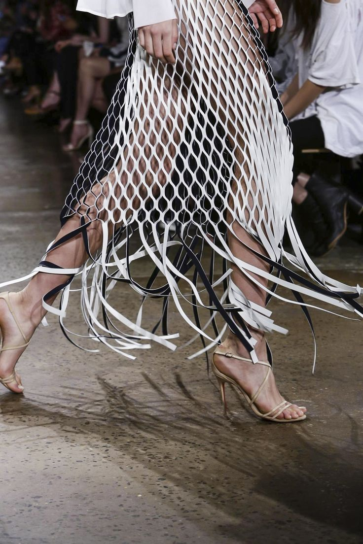 Dion Lee Ready To Wear Spring Summer 2016 New York - NOWFASHION