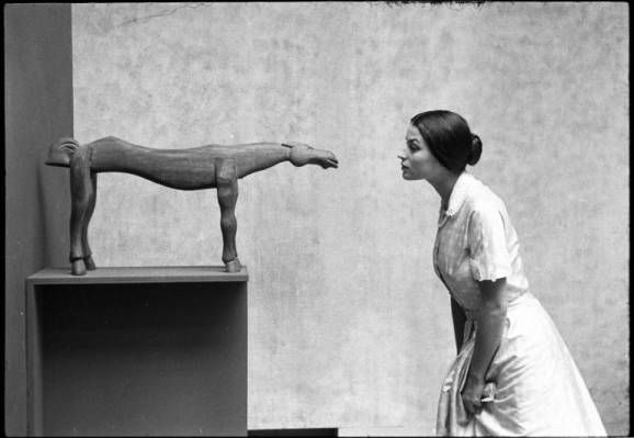 eve arnold, photograph of silvana mangano at the museum of modern art, ny (undated)